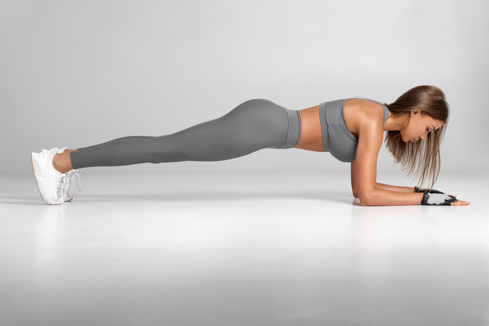 Tired of Planks Sharpen your Ab Workout with 'Body Saws'   PLEIJ ...